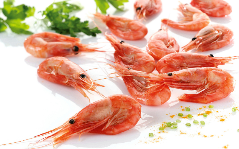 Shell-on Cooked Coldwater Prawns Loose